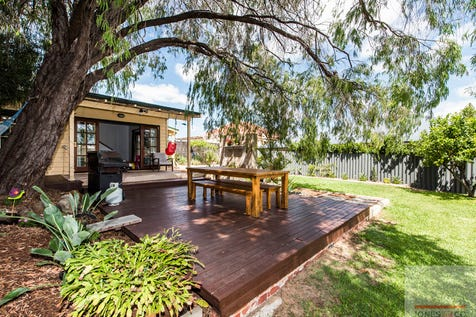 95 Penzance Street, Bassendean, 6054, North East Perth - House / UNDER OFFER IN 11 DAYS / Carport: 2 / Air Conditioning / Study / Toilets: 1 / $620,000