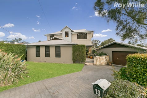 13 Linell Close, Kincumber, 2251, Central Coast - House / Spacious Family Haven / Balcony / Garage: 2 / Secure Parking / Floorboards / Toilets: 2 / $830,000
