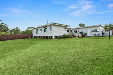 22 Roper Road, Blue Haven, 2262, Central Coast - House / 1163m2* Block with R1 Zoning / Garage: 1 / Ensuite: 1 / $550,000
