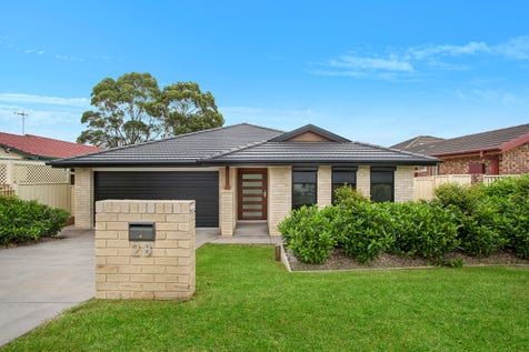 28 Robertson Road, Killarney Vale, 2261, Central Coast - House / Near New Home / Garage: 2 / Toilets: 2 / $765,000