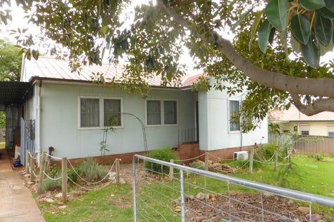 28 Alexandra Street, Parkes, 2870, Central Tablelands - House / Priced to Go / Carport: 1 / Toilets: 1 / $160,000