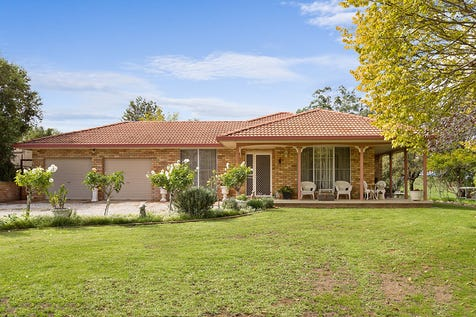 698 Castlereagh Highway, Mudgee, 2850, Central Tablelands - Other / JUST 7KM TO MUDGEE TOWN / Carport: 2 / Garage: 4 / Open Spaces: 2 / Study / Toilets: 3 / $769,000