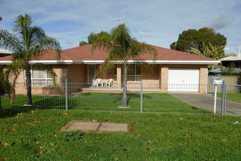 15 Want Street, Parkes, 2870, Central Tablelands - House / Warm & Inviting / Garage: 1 / Toilets: 1 / $290,000