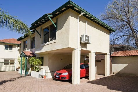 14B Wood Street, Inglewood, 6052, North East Perth - House / MOMENTS TO EVERYTHING / Garage: 2 / $400,000