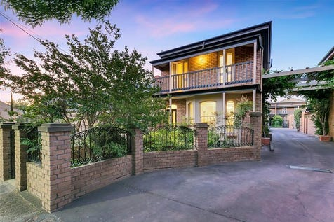 2/84 Childers Street, North Adelaide, 5006, City - Townhouse / GREAT ENTERTAINING HOME  / Garage: 2 / Air Conditioning / Built-in Wardrobes / Dishwasher / P.O.A