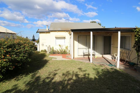 17 Dempster Street, Esperance, 6450, East - House / Sep Back In Time / Garage: 1 / Secure Parking / Air Conditioning / Toilets: 1 / $490,000