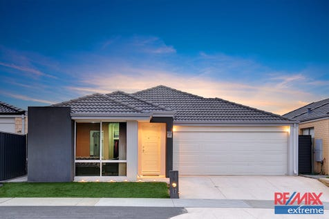 17 Cabernet Loop, Pearsall, 6065, North East Perth - House / LOW MAINTENANCE 3 X 2 WITH THEATRE / Garage: 2 / $439,000
