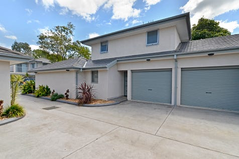 2/209-211 Burge Road, Woy Woy, 2256, Central Coast - Townhouse / Large 3 Bedroom Modern Townhouse / Balcony / Garage: 1 / Secure Parking / Air Conditioning / Alarm System / $600,000