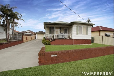 23 Warrigal  Street, The Entrance, 2261, Central Coast - House / IT REALLY IS - LOCATION, LOCATION, LOCATION! / Garage: 1 / $550,000