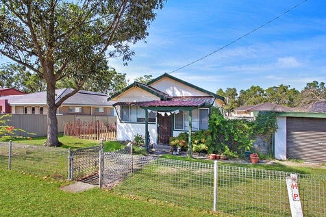 305 Warnervale Road, Hamlyn Terrace, 2259, Central Coast - House / 613m2 Block - Granny Flat Potential / Garage: 1 / P.O.A