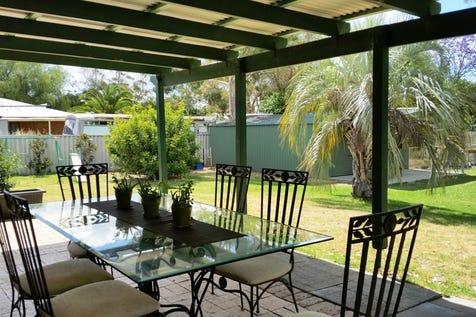 41 Deanhead Street, Bullsbrook, 6084, North East Perth - House / HOME-WORKSHOP-HALF ACRE / Garage: 2 / $449,000