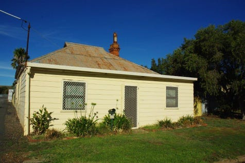 132 Thornton Street, Wellington, 2820, Central Tablelands - House / Budget Buy! / Carport: 1 / Toilets: 1 / $94,500