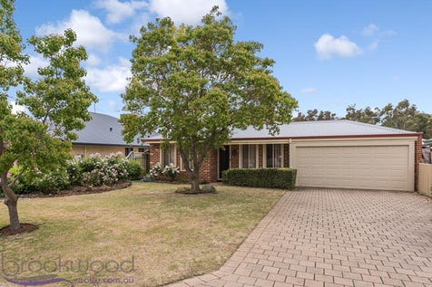 34 White Gum Drive, Jane Brook, 6056, North East Perth - House / BROOKSODE BARGAIN / Garage: 2 / Toilets: 2 / $379,000