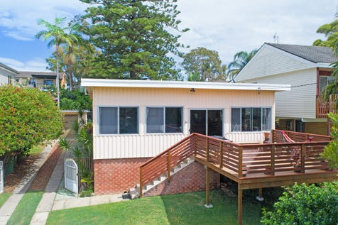4 Woodlawn Drive, Budgewoi, 2262, Central Coast - House / First Home or Investment / Garage: 1 / Toilets: 1 / P.O.A
