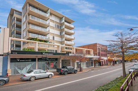 17/72-82 Mann Street, Gosford, 2250, Central Coast - Unit / Modern Unit in a Prime Gosford CBD Location / Balcony / Garage: 1 / Built-in Wardrobes / Dishwasher / Toilets: 2 / $420,000