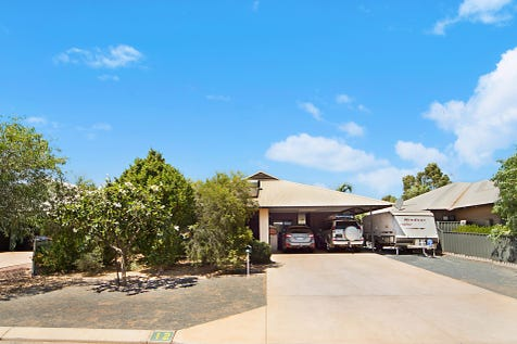 12 Treetop Crescent, Nickol, 6714, Northern Region - House / Large home with side access in top location / Carport: 2 / Air Conditioning / Toilets: 2 / $449,000