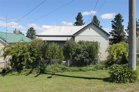 21 Roxburgh Street, Portland, 2847, Central Tablelands - House / Family sized, cottage home / Garage: 1 / Open Fireplace / $219,000