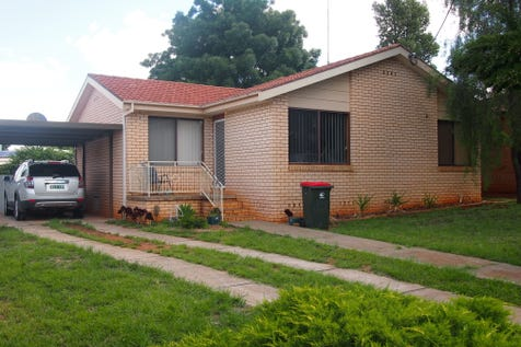 13 Barton Street, Parkes, 2870, Central Tablelands - House / Ray White Real Estate / Carport: 1 / Air Conditioning / Toilets: 1 / $210,000