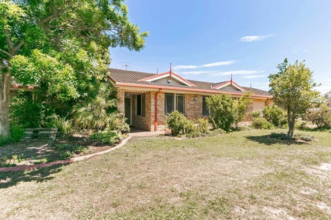 21 Timbara Crescent, Blue Haven, 2262, Central Coast - House / 4 bedroom house / Carport: 2 / Alarm System / Living Areas: 2 / $530