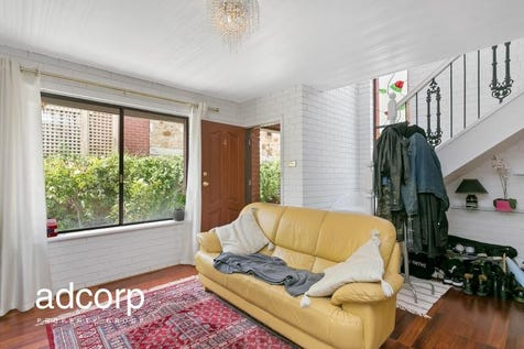 4/26 Robsart Street, Parkside, 5063, Eastern Adelaide - Townhouse / New Price - Private & Secure Townhouse in the ever popular Parkside / Garage: 1 / $430,000