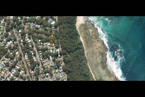 10 Murray St, Bateau Bay, 2261, Central Coast - House / ORIGINAL BEACHSIDE HOME / Garage: 1 / $835,000