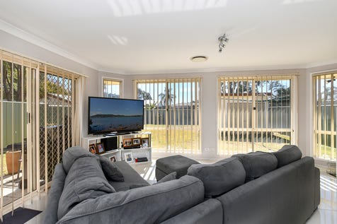 53 Osborne Avenue, Umina Beach, 2257, Central Coast - House / Large Family Home Walk To Beach and Cafes' / Garage: 2 / Open Spaces: 2 / Secure Parking / Air Conditioning / $1,050,000