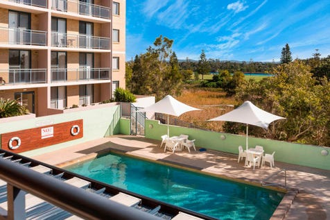 19/54-66 Hutton Road, The Entrance North, 2261, Central Coast - Unit / Easy Living Right Opposite The Beach - Not A Thing To Do Or Spend / Balcony / Outdoor Entertaining Area / Swimming Pool - Inground / Garage: 1 / Built-in Wardrobes / Dishwasher / Toilets: 1 / $339,000