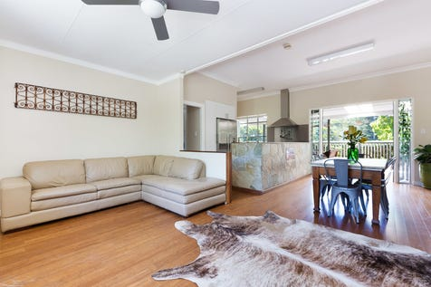 289 Barrenjoey Road, Newport, 2106, Northern Beaches - House / Versatile lifestyle haven or R3 development opportunity / Open Spaces: 4 / P.O.A