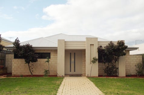 24 Pavilion Circle, The Vines, 6069, North East Perth - House / OPPORTUNITY KNOCKS! / Garage: 2 / Secure Parking / Air Conditioning / Toilets: 2 / $439,000