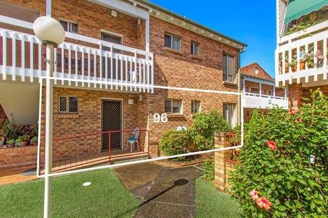 96/15 Lorraine Avenue, Berkeley Vale, 2261, Central Coast - Unit / WELCOME HOME / Garage: 1 / $369,000