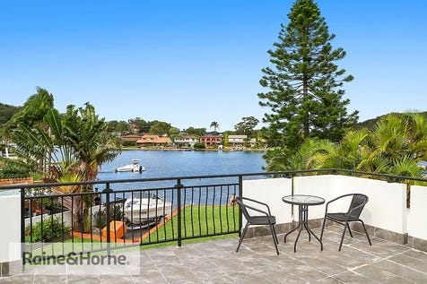 4 Mainsail Avenue, St Huberts Island, 2257, Central Coast - House / THE ENTERTAINERS DREAM HOME / Garage: 2 / $1,475,000