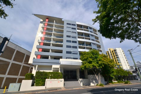 708/292 Boundary Street, Spring Hill, 4000, Inner Brisbane - Apartment / Large 2bed Apartment With City Views, Pool, Spa, Sauna and Gym / Balcony / Swimming Pool - Inground / Garage: 1 / Secure Parking / Dishwasher / Floorboards / Gym / Intercom / Ensuite: 1 / Toilets: 2 / $415,000