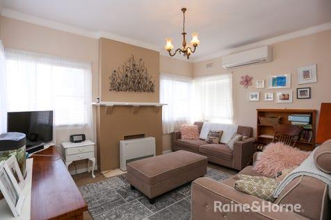 5 Hansard Place, West Bathurst, 2795, Central Tablelands - House / COTTAGE LAVINIA / Garage: 2 / Secure Parking / Air Conditioning / Floorboards / Toilets: 1 / $285,000
