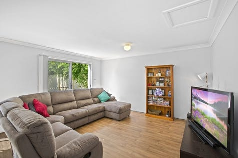 7/27 Aurora Place, Bateau Bay, 2261, Central Coast - Townhouse / Modern Townhouse – Perfect First Home or Investment / Garage: 1 / $439,000