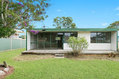 29 Dale Avenue, Chain Valley Bay, 2259, Central Coast - House / Original home on 556sqm, mintues to the lake's edge / $300,000