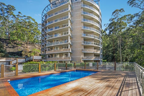454/80 John Whiteway Drive, Gosford, 2250, Central Coast - Unit / RESORT STYLE THREE BEDROOM APARTMENT / Balcony / Swimming Pool - Inground / Garage: 2 / Secure Parking / $440,000
