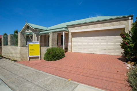 1/8 Dudley Street, Midland, 6056, North East Perth - Townhouse / Home Open CANCELLED May 13 / Garage: 2 / Open Spaces: 2 / Secure Parking / Air Conditioning / Alarm System / Toilets: 2 / $429,000