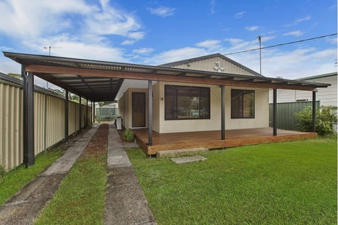 19 Lakeview  Parade, Umina Beach, 2257, Central Coast - House / HOUSE & CABIN – WALK TO BEACH – INVESTOR SPECIAL / Carport: 3 / Air Conditioning / $850,000