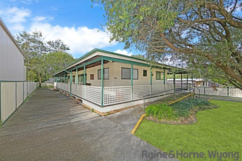 5 Cooranga Road, Wyongah, 2259, Central Coast - House / Large Home - Huge Block - Potential Granny Flat / Balcony / Garage: 3 / Secure Parking / Air Conditioning / Alarm System / Toilets: 2 / $570,000