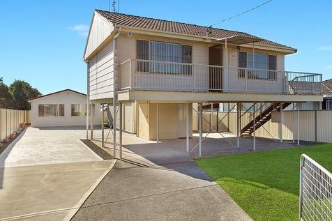 15 Koorana Avenue, Gorokan, 2263, Central Coast - House / Home and Cabin plus Triple Garage / Carport: 3 / $550,000