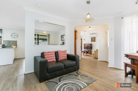 19 Coolawin Circle, Narara, 2250, Central Coast - House / Presented to Please / Garage: 2 / Air Conditioning / Built-in Wardrobes / Dishwasher / $650,000