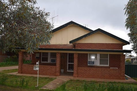 3 McGlynn Street, Parkes, 2870, Central Tablelands - House / Ray White Real Estate / Carport: 1 / Air Conditioning / Toilets: 1 / $182,000