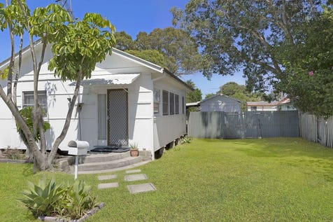 6 Victoria Avenue, Toukley, 2263, Central Coast - House / Potential - Calling All Developers & Investors! / $450,000