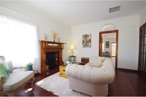 6 Grand Promenade, Bayswater, 6053, North East Perth - House / Charming Character Home / Garage: 2 / Living Areas: 2 / $499,000