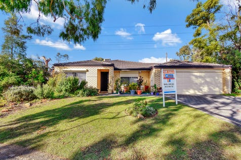 1/79 Byron Road, Yokine, 6060, North East Perth - Villa / BIG Villa, BIG Land, Great Location. / Garage: 2 / P.O.A