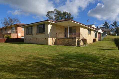 31 Amiens Street, Lithgow, 2790, Central Tablelands - House / LITTLETON BRICK VENEER / Garage: 1 / Toilets: 1 / P.O.A