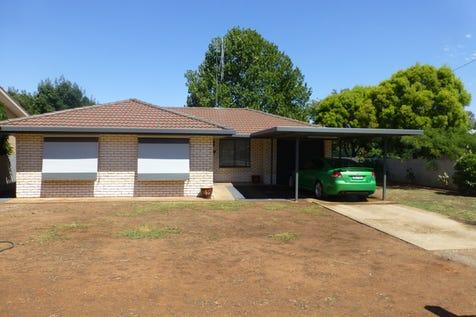 10 Lawson Street, Parkes, 2870, Central Tablelands - House / More Than Meets The Eye / Carport: 1 / Garage: 1 / Toilets: 1 / $250,000