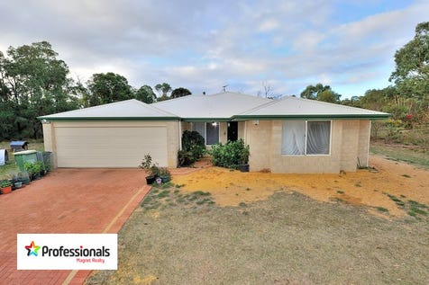 120 Woodlands, Stoneville, 6081, North East Perth - House / IMMACULATE!! Large 4 x 2 Brick and colorbond home on 5 acres!! / Garage: 2 / Alarm System / Toilets: 2 / $575,000