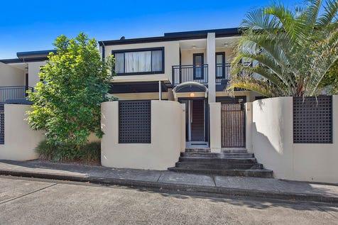 39/55 Dwyer Street, North Gosford, 2250, Central Coast - Townhouse / Central Safe & Affordable / Garage: 2 / $500,000