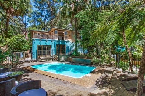 3 Onyx Road, Pearl Beach, 2256, Central Coast - House / GREAT ENTERTAINER WITH A SUNDRENCHED POOL! / Deck / Outdoor Entertaining Area / Swimming Pool - Inground / Open Spaces: 3 / Living Areas: 2 / Toilets: 2 / $990,000